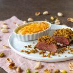 Lammlachse mit Pistazienkruste und Süßkartoffelgratin
