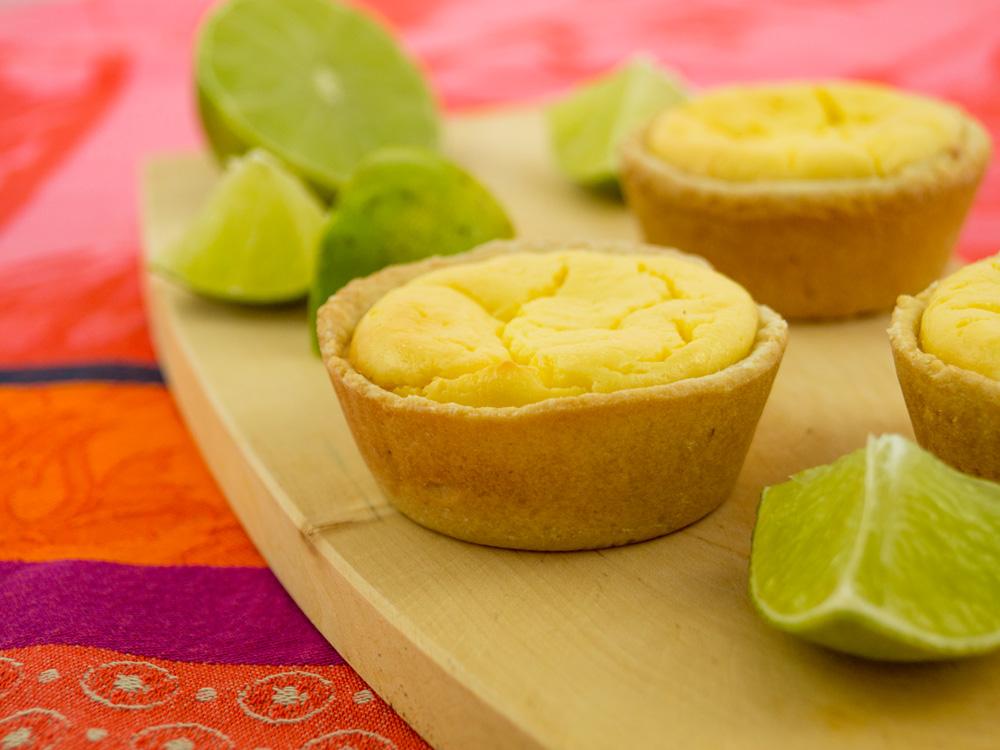 Limetten-Cheesecake-Törtchen