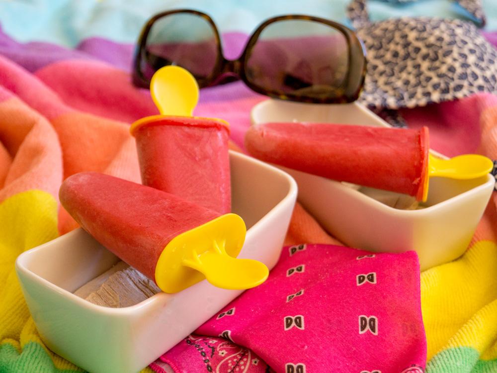 {Gastblogger} Smoothie-Eis mit Mango und Himbeeren