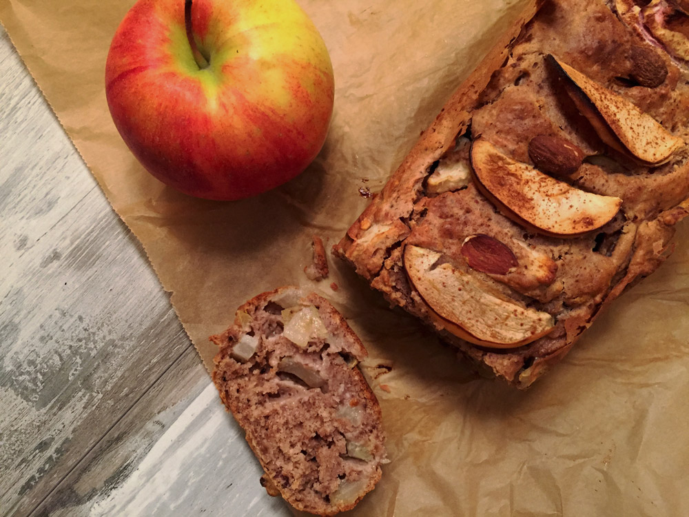 {Adventsbesuch} Apfel-Zimt-Kuchen mit Nüssen