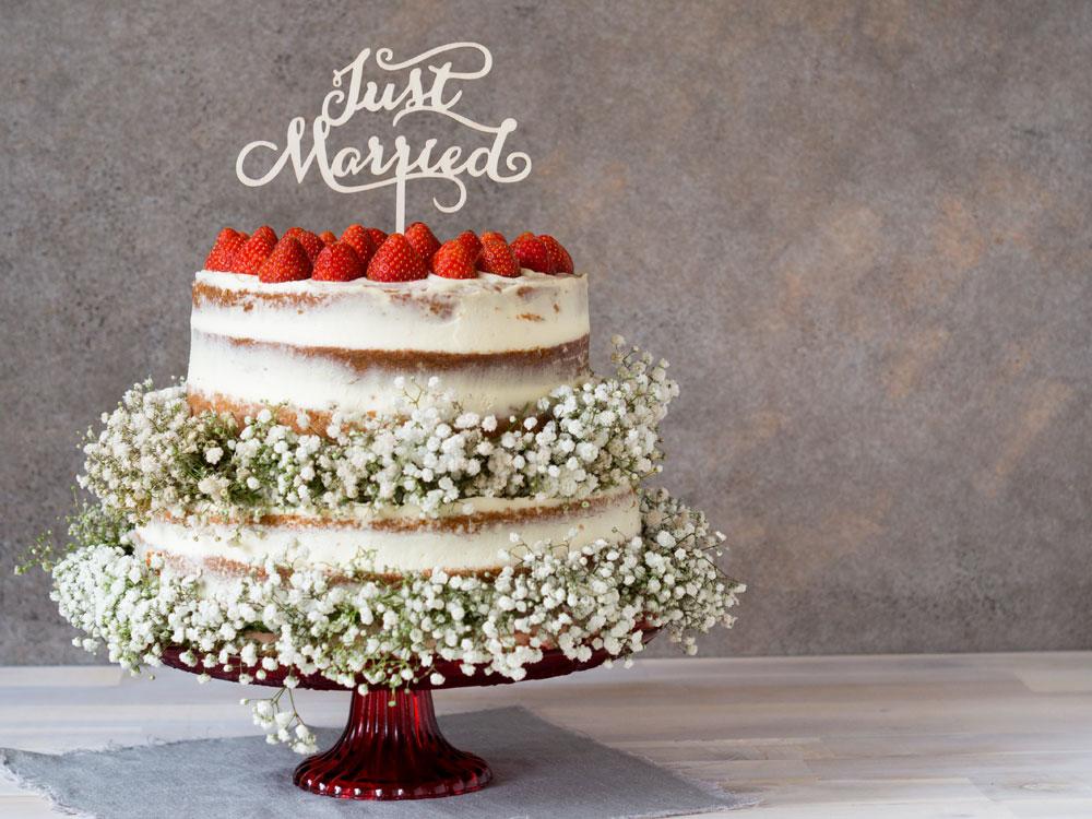 Hochzeitstorte mit Erdbeeren und Limette