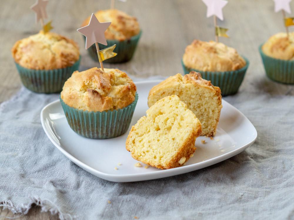Muffins mit weißer Schokolade