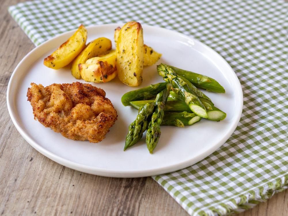Kalbsschnitzel mit Ofen-Spargel und Bärlauch-Kartoffeln
